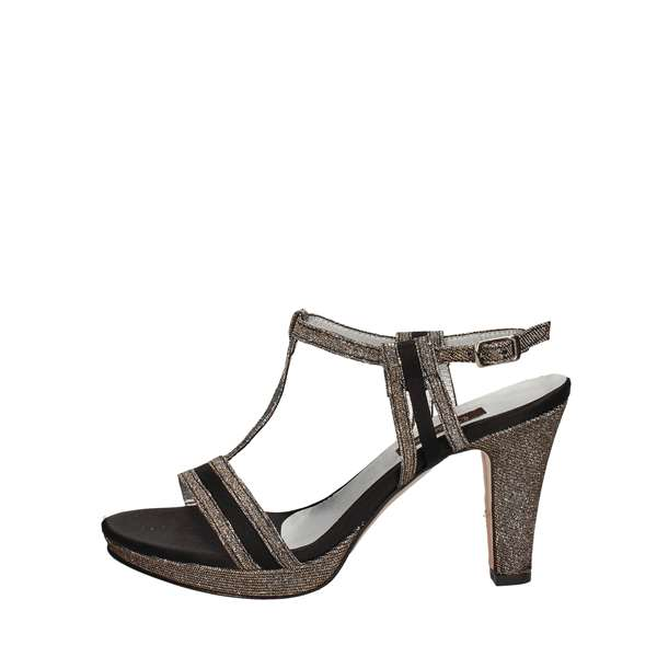 L'AMOUR Sandals With heel Women 751 0
