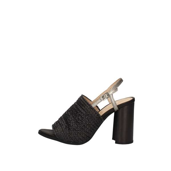 UNISA With heel Black
