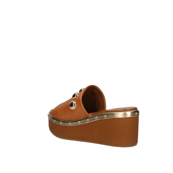 INUOVO  With wedge Leather