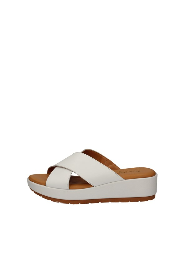 NEW PIUMA SANDALS WHITE